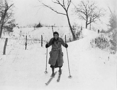 Estella Bergere Leopold skiing down Sand Hill with Good Oak in background