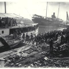 Troops embarking on Pasig, Manila, 1899