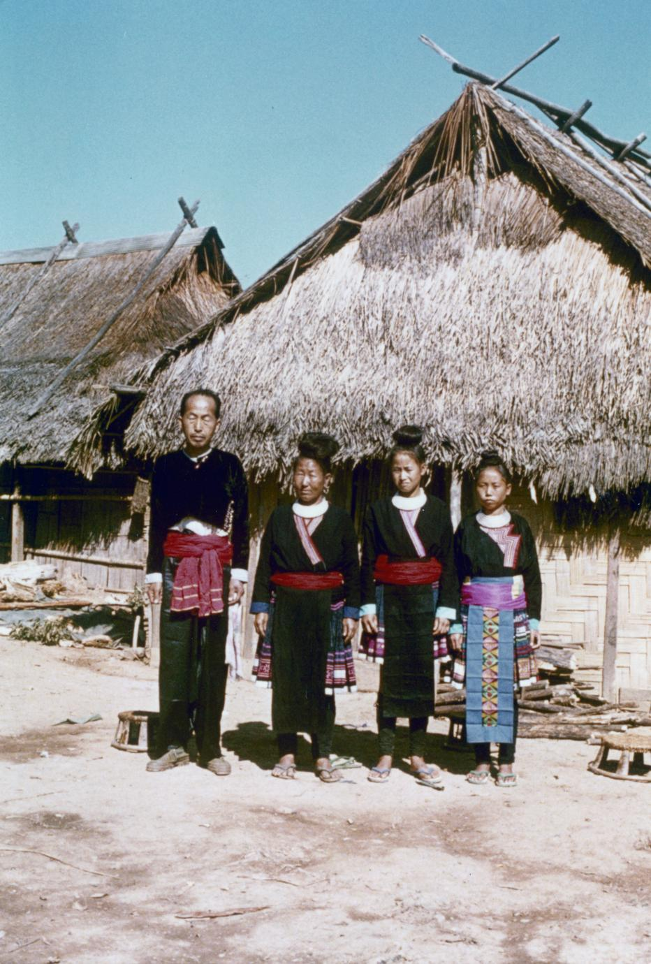 A Blue Hmong (Hmong Njua) family in Houa Khong Province