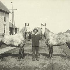 Henry Dumholdt, Streiff & Dumholdt Livery