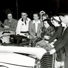 Bouril Auto girl mechanics
