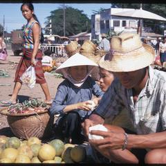 Morning Market : oranges