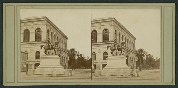 Statue de l'empereur Napoléon 3 à Paris