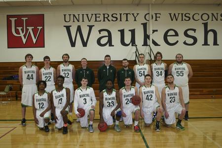 UW-Waukesha men's basketball team