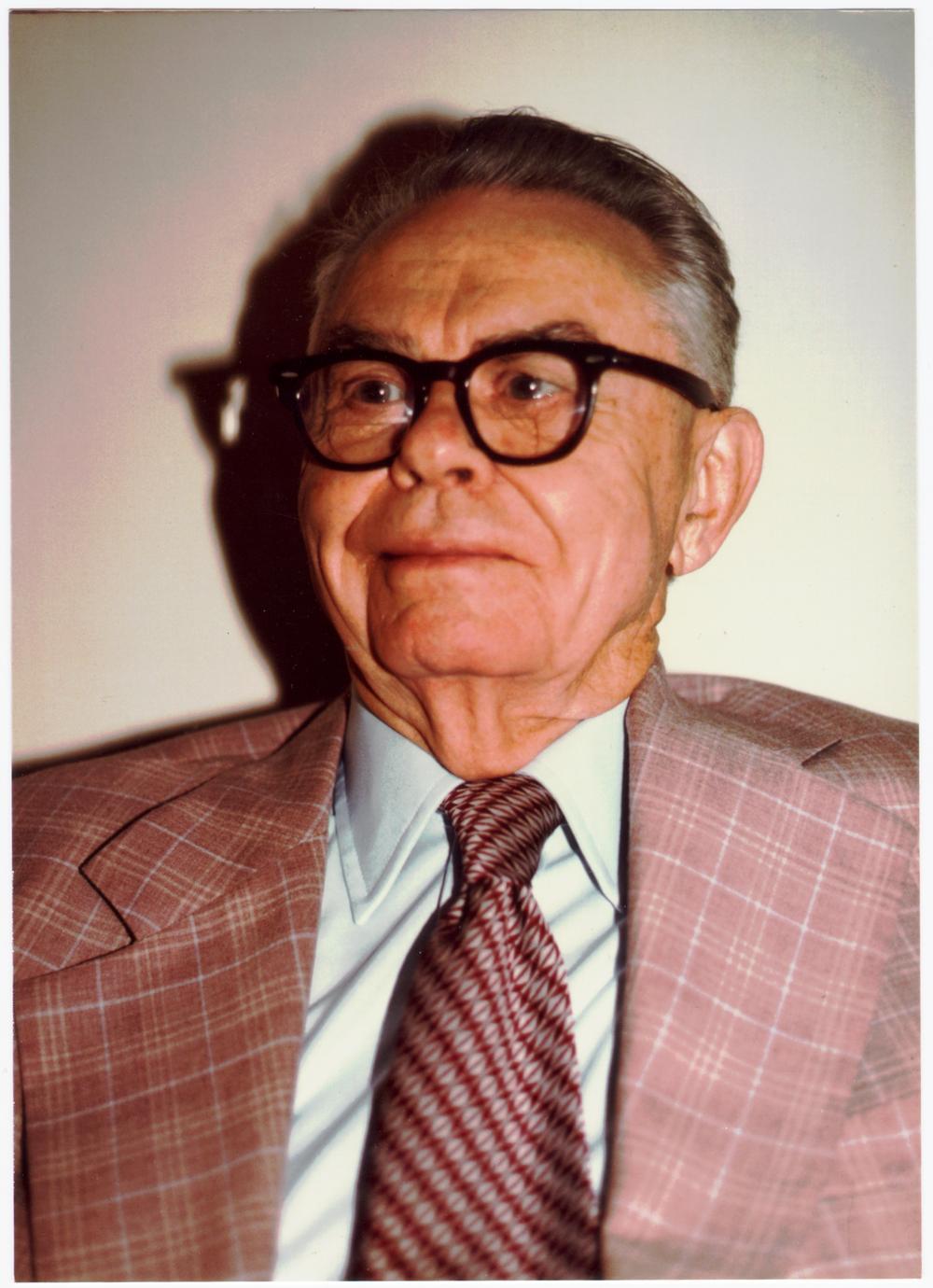 Earl Beckner