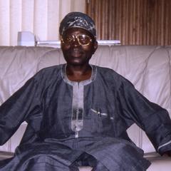 Oba Oladele Olashore in home