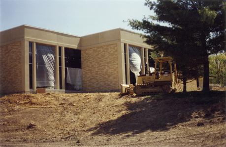 Building of the commons, University of Wisconsin--Marshfield/Wood county, 1998