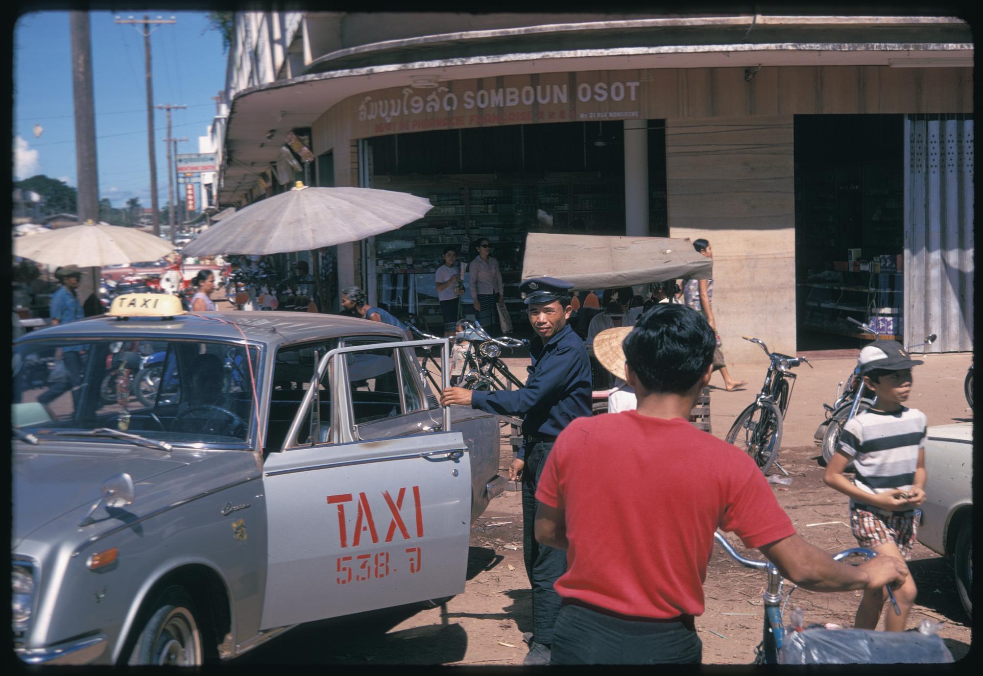 Morning Market : taxi
