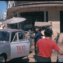 Morning Market : taxi