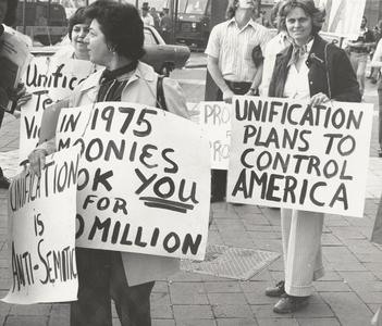 Protesters at a Moonie rally in 1976.