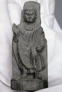 NG327, Bracket with a Standing Buddha