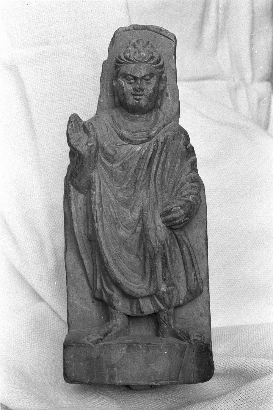 NG327, Bracket with a Standing Buddha (3 of 5)