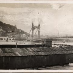 Hängebrücke i. Budapest