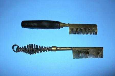 Hair straightening hot combs