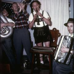 Roland Braun plays clarinet