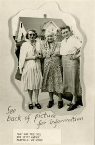 Ella Mittelstadt Fischer with her daughters on Mothers Day