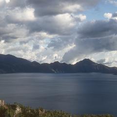 Lago Atitlán, below Solalá