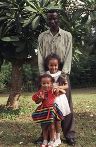 Bodunde Motoni and children