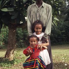 Bodunde Motoni and children
