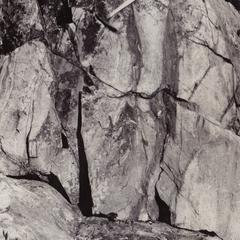 Gneiss and granite along river