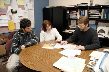 Advisor helps student with options