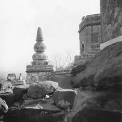 Destroyed stone stupa in Yihe Yuan (Summer Palace) 頤和園.