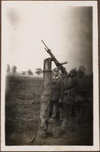 MG als Fliegerabwehr in Chaumont