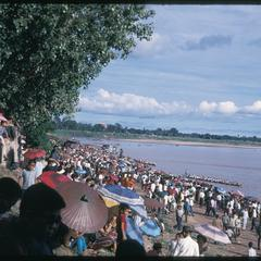 Boat races : crowd--general view