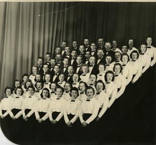 Stout Symphonic Singers group photograph
