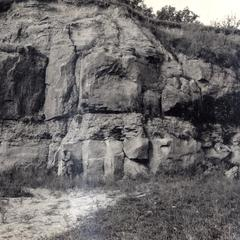 Eau Claire sandstone and Dresbach sandstone beds