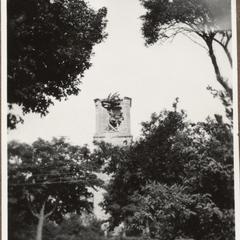 Zerschossener Kirchturm in Bernweiler i. Elsass