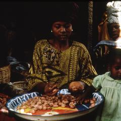 Women with kola nuts