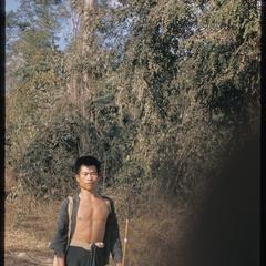 Kammu (Khmu') along road