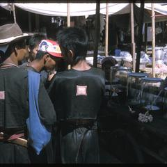 Vangviang : Hmong (Meo) at market