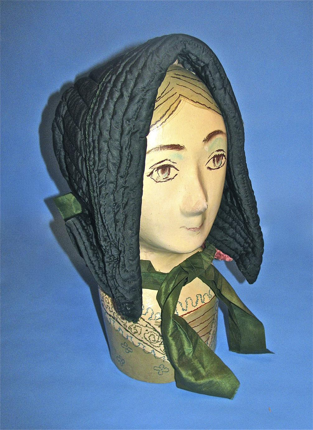 Forest green quilted bonnet
