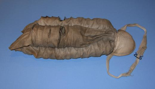 Four coils covered in dark ecru cotton