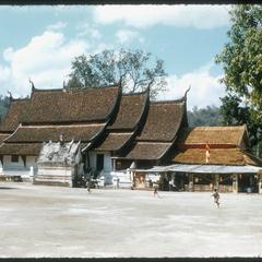 Vat Xieng Thong--roof structure
