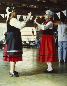 Slovenian-American clap-dancers