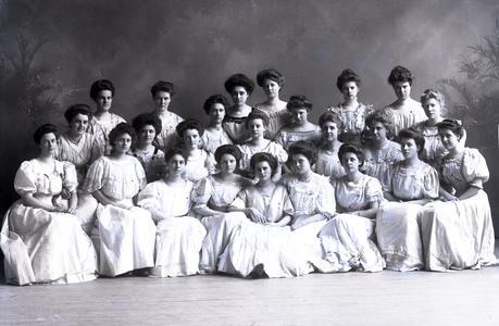 Sorority Alpha Phi, 1908