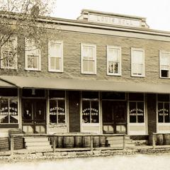 Louis L. Noll store on Second Street, photo 1