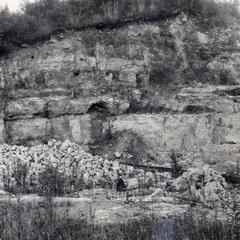 Lime kiln quarry