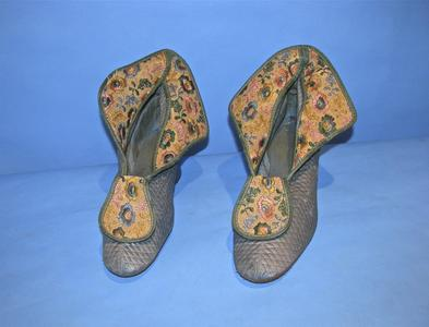 Satiny blue quilted slippers