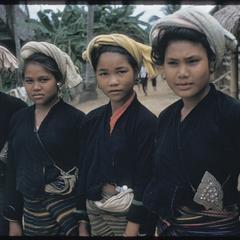 Kammu (Khmu') girls in Nam Bak : close-ups
