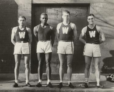 Mile relay team