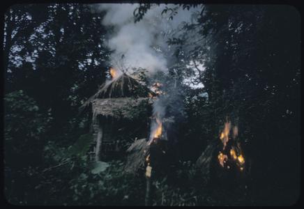 Phetsarath trip : burning phi houses
