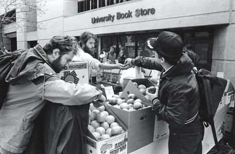 Fruit vendor on Library Mall