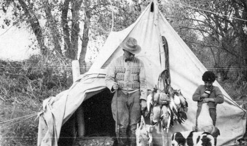 Aldo Leopold and Starker at the Rio Grande