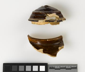 Teapot lid and body fragments