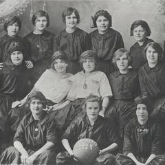 New Glarus High School girls' basketball team, 1914