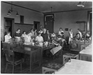 Nellie Kedzie Jones teaching a foods class